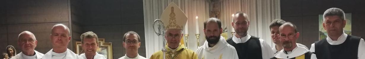Priesterweihe_Tamas_Banner